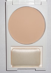 Revlon Nearly Naked Pressed Powder_Fair