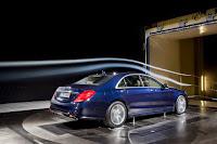 2014-Mercedes-S-Class-32.jpg