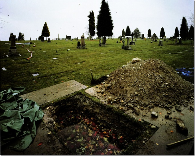 jeff wall_The Flooded Grave 1998–2000