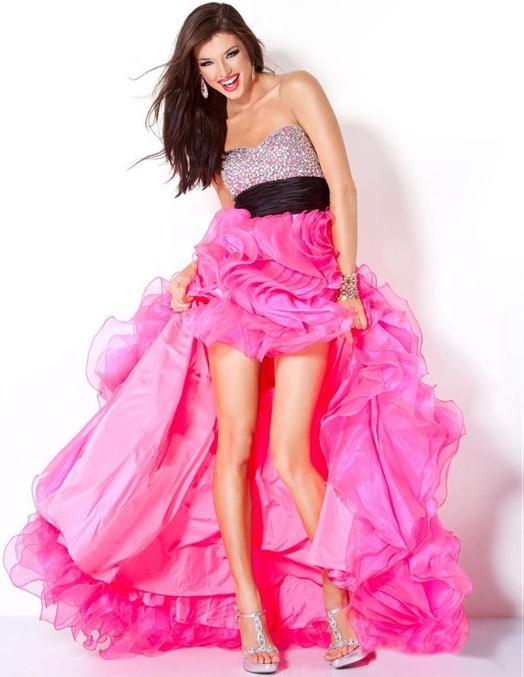 1b22512fc73bab8 В этом помогут модные платья для выпускного 2014: нарядные, элегантные,  безумно красивые! Читайте наш обзор и смотрите ...