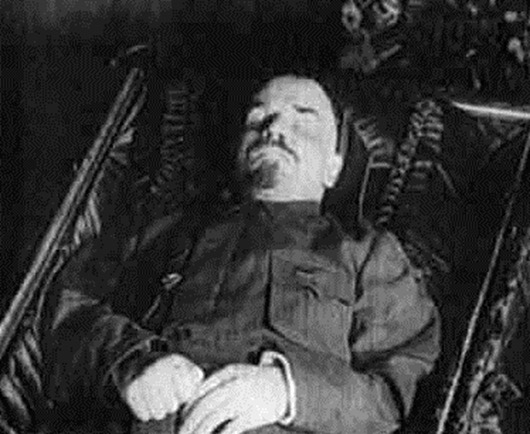 lenin_in_tomb