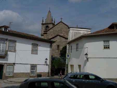 Obiective turistice Portugalia: intrarea in orasul vechi Guimaraes