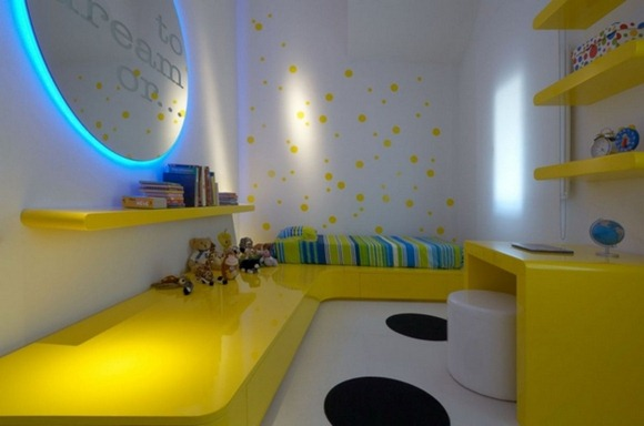 yellow-blue-white-bedroom