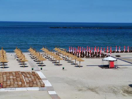 Litoral Romania: . plaja Mamaia