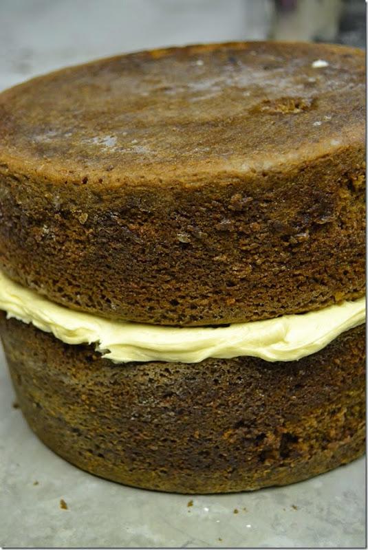 Chocolate-Caramel-Cake-Recipe (2)