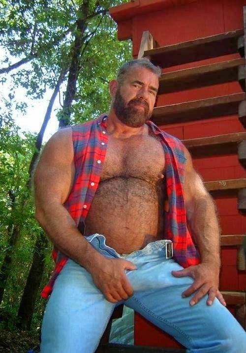 Ira bisexual pantyhose clad