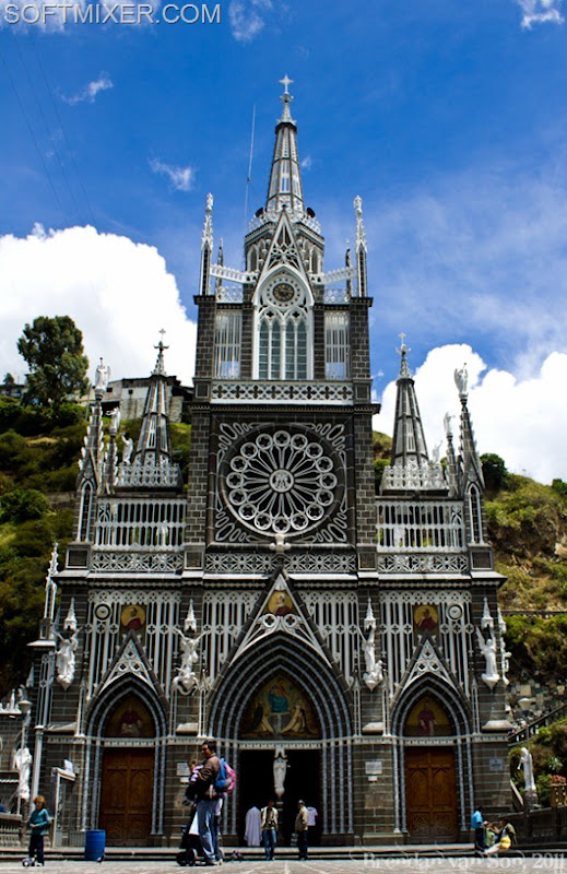 Las-Lajas-Church-2