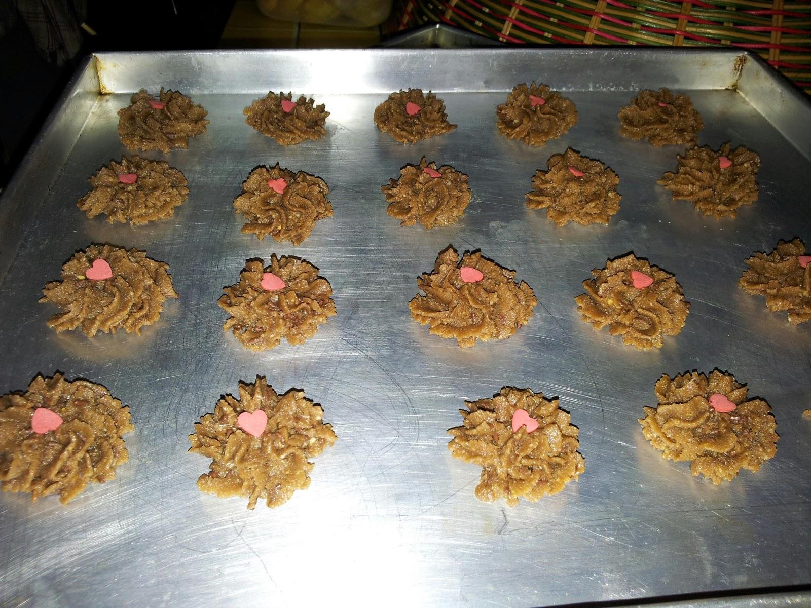ZULFAZA LOVES COOKING: Biskut coklat urai/chocolate rice cookies
