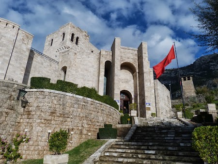 Obiective turistice Albania: Muzeul Skanderbeg