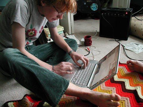 Cómo es el día normal de una persona adicta a internet