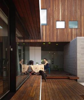 casa-revestimiento-muro-techo-madera