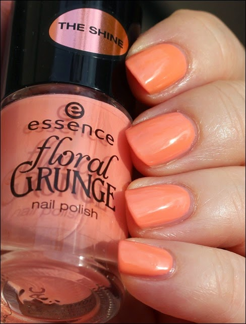 Essence Floral Grunge The Shine Be Flowerful 03