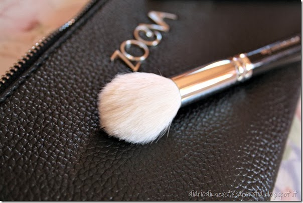 zoeva pennelli 105 luxe highlight brush detail