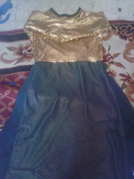 e2d614b8b2bbd الفستان التانى البطانة بتاعته ستان وبتدى لون روعة من تحت الشيفون