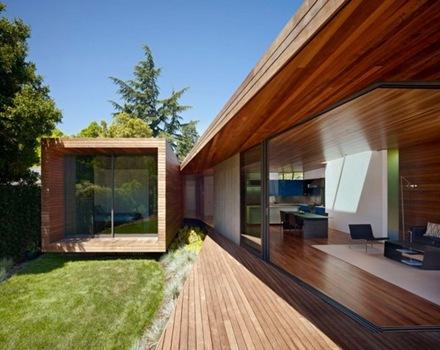 Fachada-de-madera-Bal-House-casa-de-madera