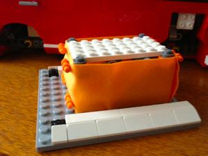 LEGO: 10220 Volkswagen T1 Camper Van [その3]