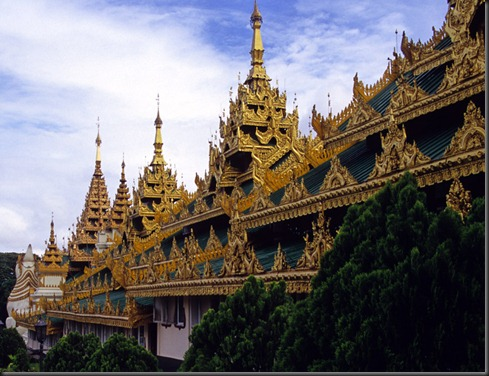 shwedagon_outside