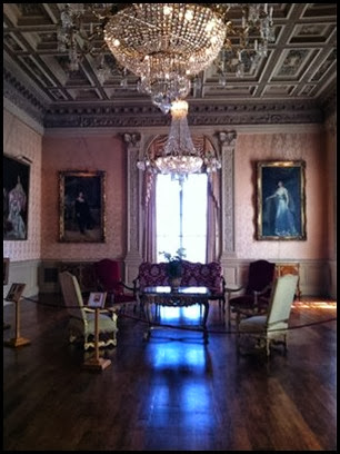 rosecliff pink room