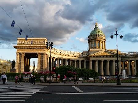 Obiective turistice St. Petersburg: Catedrala Kazan