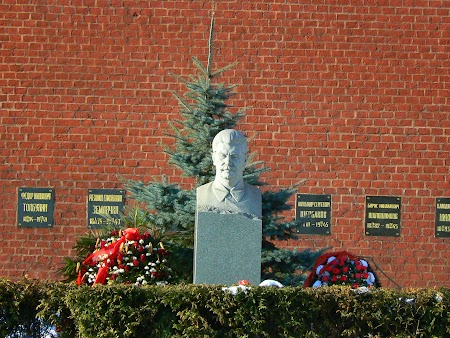 Circuit Rusia: Mormant Stalin