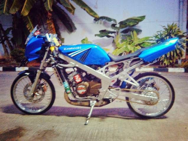Motor Ninja Modifikasi Ninja R Biru