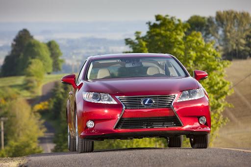 2013-Lexus-ES300h-Hybrid-01.jpg