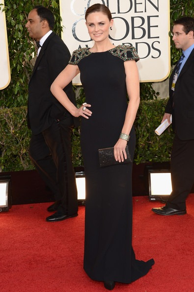 Emily Deschanel arrives at the 70th Annual Golden Globe Awards (2)