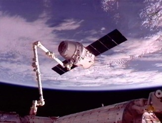 canadarm and dragon