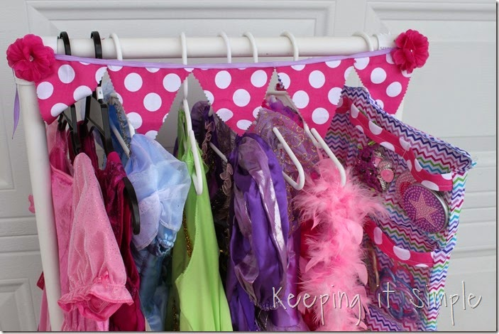 DIY Little Girls Dress Up Station  (38)