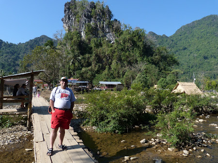 Travel Laos: spre pestera
