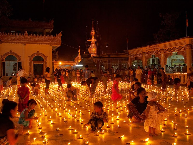 buddhist-festival-myanmar_37915_990x742.jpg