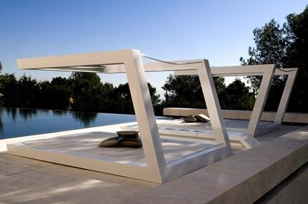 decoracion-piscina-casa-marbella_thumb[1]