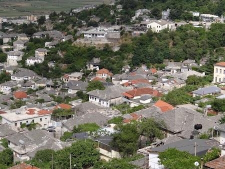 13. Gjirokaster - orasul vechi.JPG