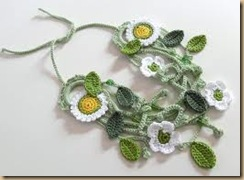 crochet necklace white flowers