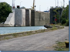 8438 Thorold -  Welland Canals Parkway - Lock 6 - looking back at Lock 7