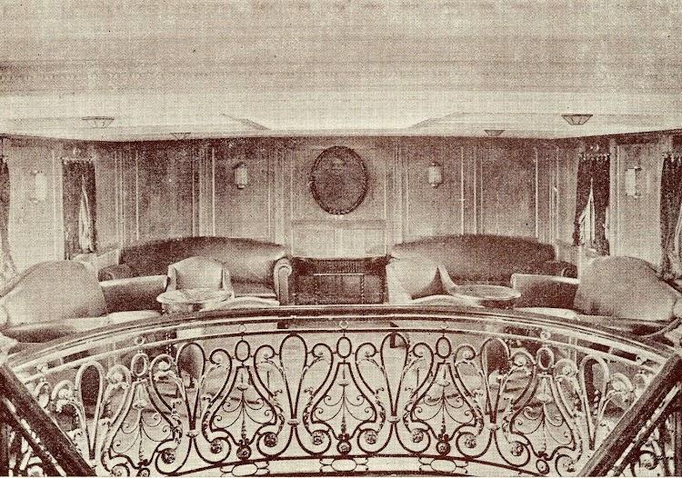 Motonave GENERAL SANJURJO. Vestíbulo de primera clase. Del libro La Unión Naval de Levante. 1.924-1.949.jpg
