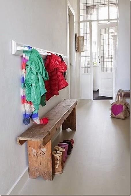 entrecc81-hall-opbevaring-indretning-bolig-colorama-boligdroemme-malene-marie-moeller-rustik
