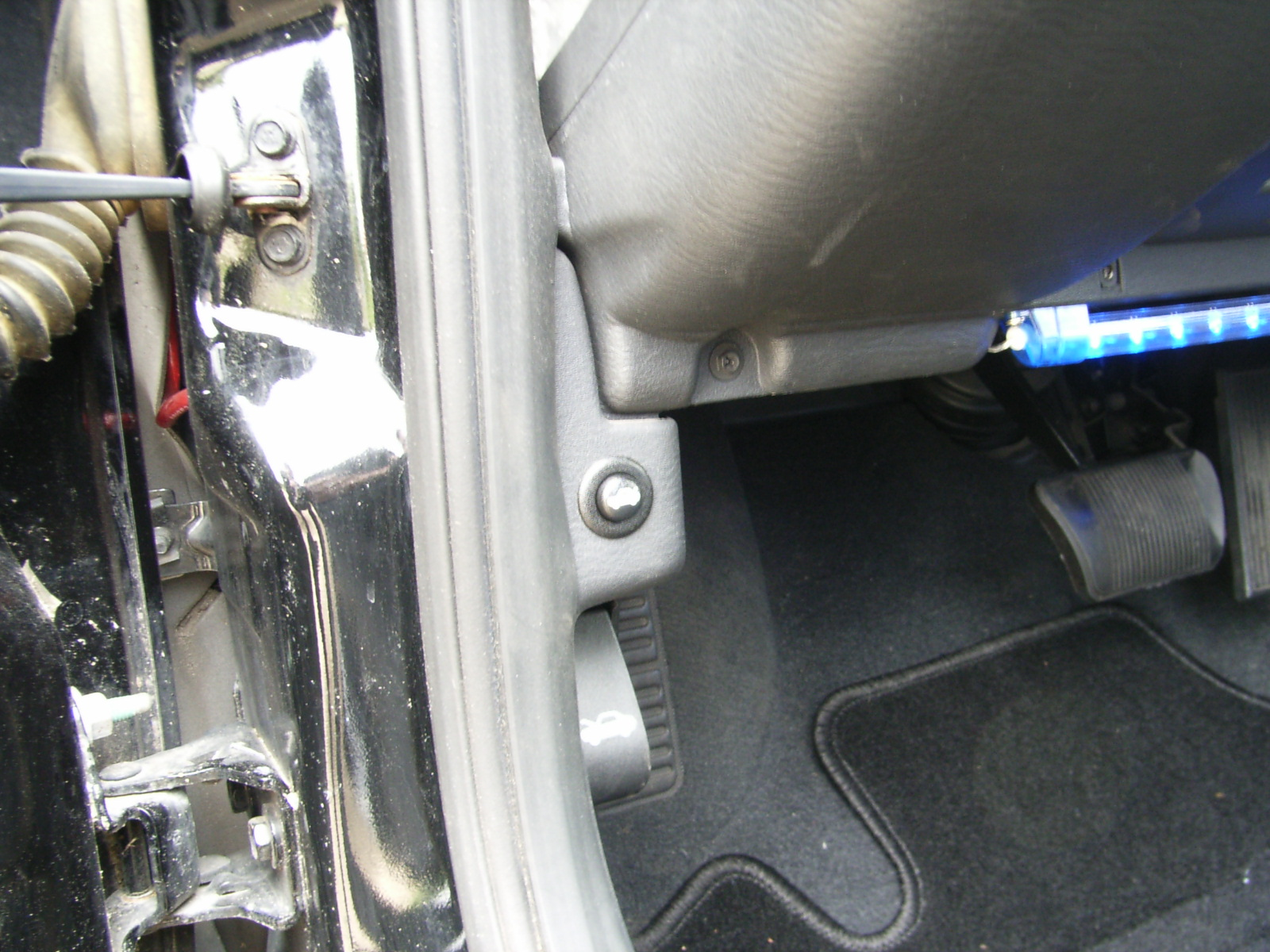 Where Is The Interior Fuse Box Located Dodge Srt Forum For Cars Pic From My Neon