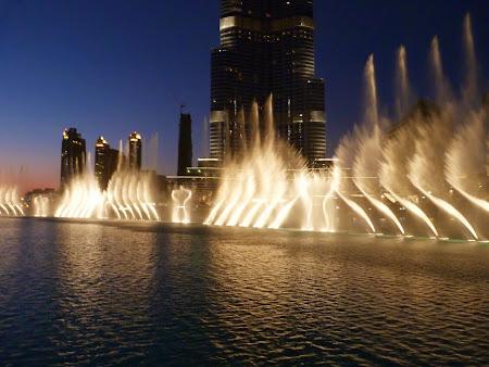 Obiective turistice Dubai: Fantanile dansatoare de la Dubai Mall