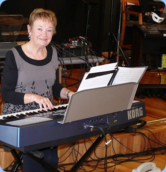 Diane Lyons playing her Korg Pa500. Photo courtesy of Dennis Lyons.