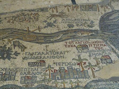 Obiective turistice Iordania: Pestii se intorc din Marea Moarta
