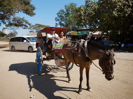 Obiective turistice Myanmar: cu caleasca prin Bagan
