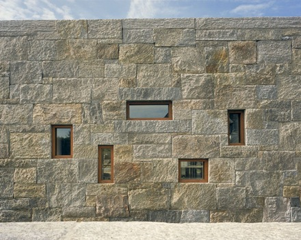 ventanas-muro-piedra