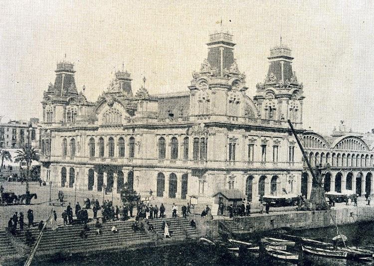 Fachada lado mar. De la Memoria sobre el estado y adelanto de las obras del puerto de Barcelona durante los años 1.907 a 1.910, ambos inclusive.JPG