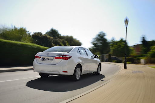 2014-Toyota-Corolla-3.jpg