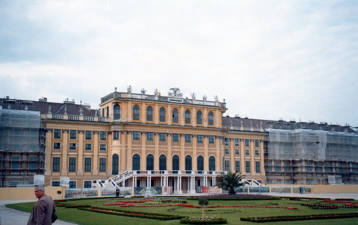 4. Schonbrunn.jpg