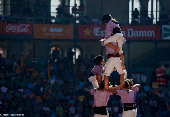 Quatre de nou amb folre. Colla Jove Xiquets de Tarragona.XXIVè Concurs de Castells de Tarragona. Tarraco Arena Plaça. Tarragona, Tarragonès, Tarragona