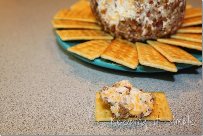 bacon-cheddar-cheese-ball-recipe (4)