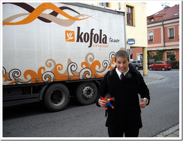 20111012-1 By a Kofola truck