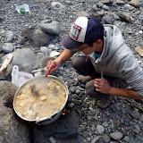 巨大肉がひしめき合う鍋